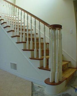 Винтовые лестницы не отличаются